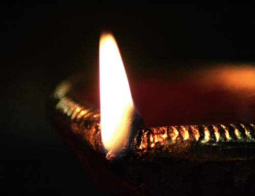 THE DIWALI LAMP… 5 MINUTES OF SILENT MEDITATION WITH IT